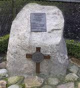 Het monument ter nagedachtenis aan de gesneuvelde Franse parachutist.