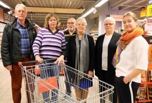 Het bestuur van de Stichting Arme Kant van Aa en Hunze, van links naar rechts: Theo Borger, Liesbeth Stolker, Jacob van der Heide, Rieny Schmaal, Frouwkje Vennik en Angela Bugel.