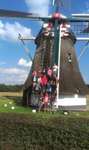 Vrijwilligers van SIW bij molen De Zwaluw.