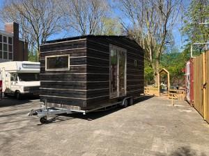 De 'woonwagen' maakt persoonlijk contact mogelijk. © Gemeente Groningen
